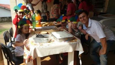 Dia das Crianças no CEI Girassol, com apoio da gestora Carla e das entidades Bloko Rosa, Bloko Rosa Moda Feminina e Matheus Ximbica Gaspar